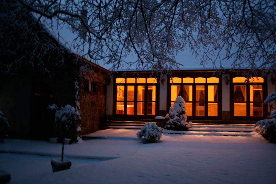 A téli esküvő varázsa, azaz miért jó télre szervezni az esküvőt?